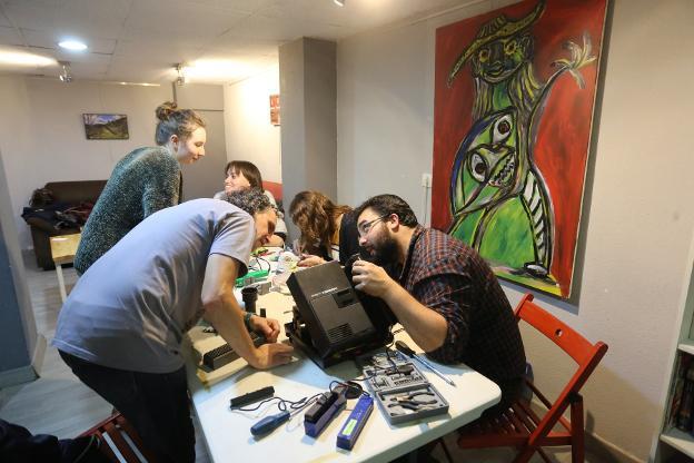 Octavo Repair Café Asturias. La Revoltosa (Gijón), 22 de noviembre de 2017