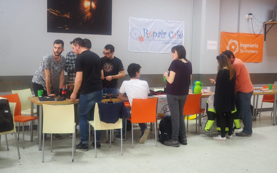 Décimo Repair Café Asturias. Escuela Politécnica de Ingeniería de Gijón, 19 de abril de 2018