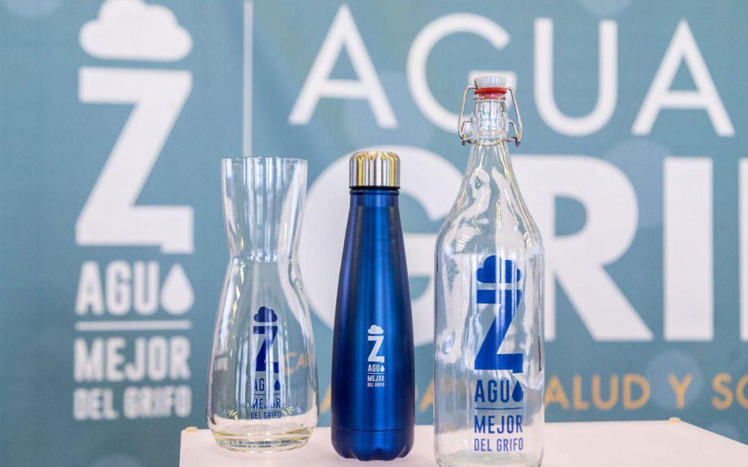 """La campaña """"En Zaragoza, Mejor del Grifo"""" lanza la botella solidaria para financiar proyectos de abastecimiento y saneamiento de agua en Centroamérica"""