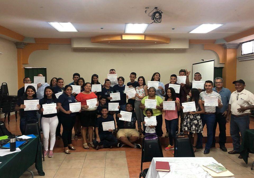 Remata a Escola de Formación Política en Honduras