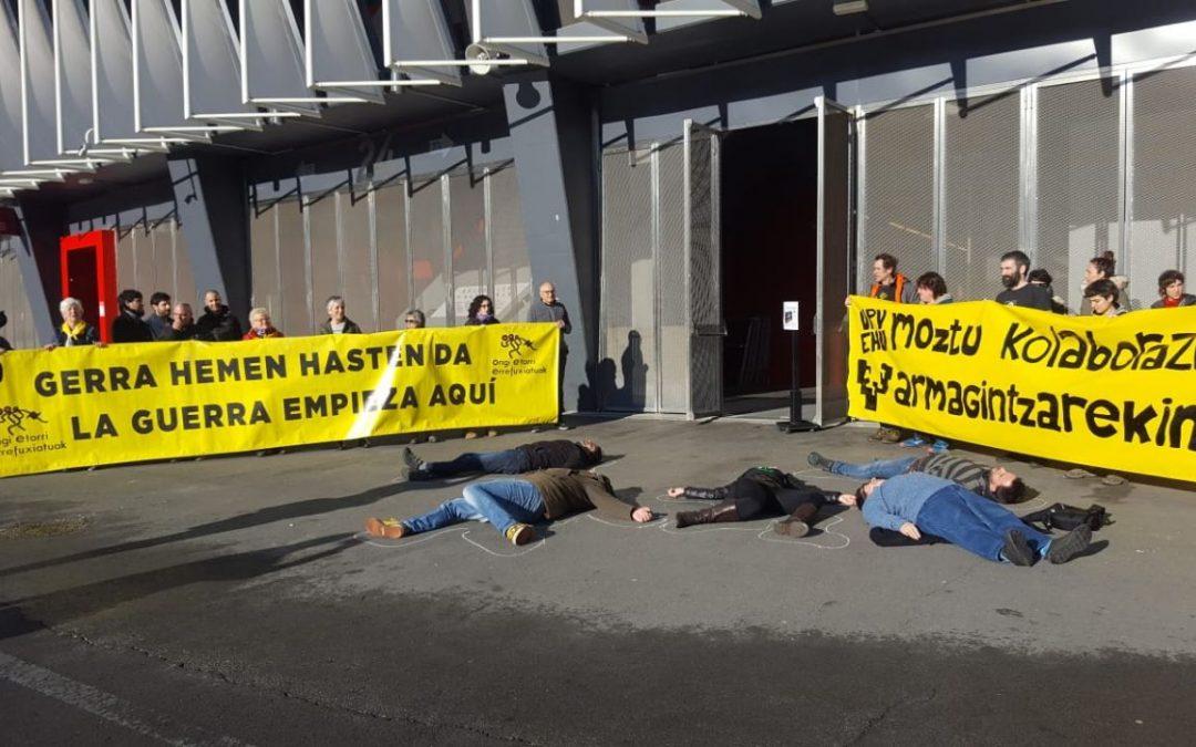 Las empresas de la muerte no son bienvenidas UPV/EHU, ¡detén la colaboración con la industria armamentística!